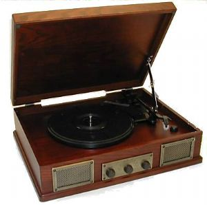 Steepletone Norwich Retro Record Player with Radio & USB Playback